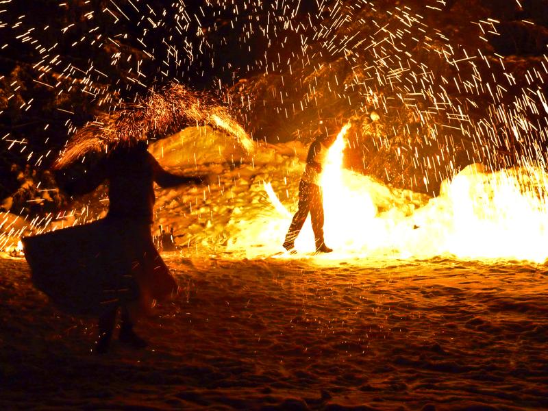 Vintermarknad,eldshow